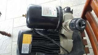 Self primming automatic water pump