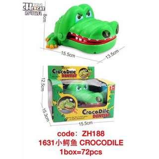 Toy bundle biting shark and croco dentist