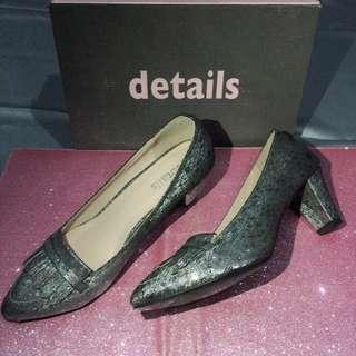Sepatu Heels details payless