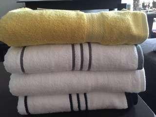 Tommy Hilfiger Bath Towel