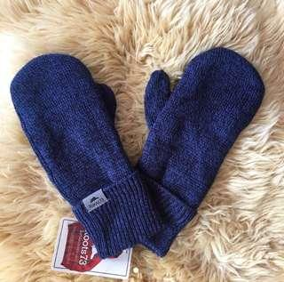 NWT Roots fleece lined mittens