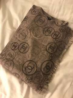 🚚 保證真品正品chanel香奈兒cashmere圍巾披肩灰色灰紫色菱格紋圓圈滿版logo