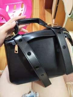 Korean style Hand bag /sling bag black