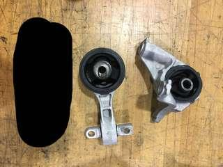 Spare FD2R ENGINE MOTOR MOUNTING