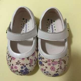 Dr Kong Baby Shoes (size 19)