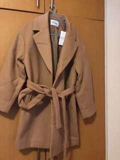 E hyphen coat
