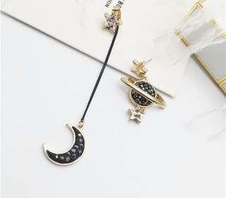 Moon, galaxy/planet earring