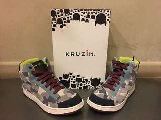 Kruzin Sneakers