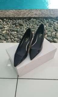 Metaphor Black White Shoes