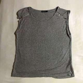 Gray cotton muscle tee