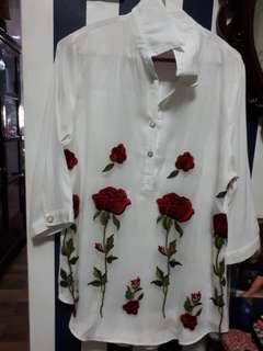 Blouse embroided
