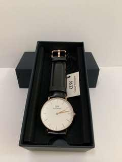 DW黑色皮錶系列