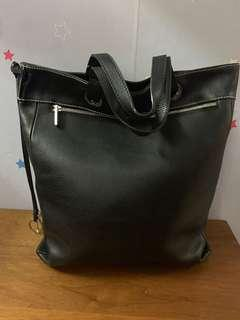 Authentic Loewe leather bag,95%new,good conditions as pic,size 40*30cm