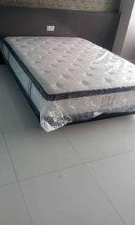 year end sales !! Queen size mattress extra thick comfy