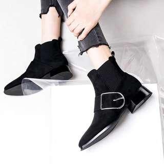 Winter blacks ankle boots 有扣黑色短靴