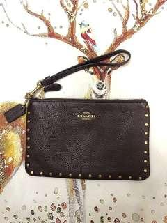 "AUTHENTIC COACH "" Small Wristlet With Rivets (CO)"
