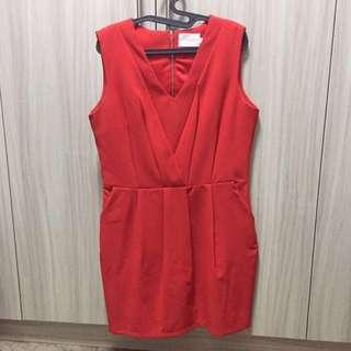 [PRICE REDUCED] SOLLEL PLEATED SHIFT DRESS IN RED
