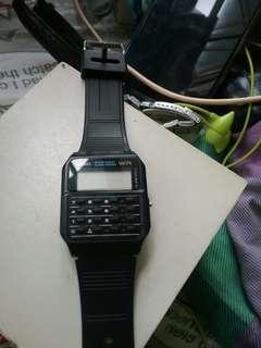 舊款學生電子錶冇電 不知著唔著