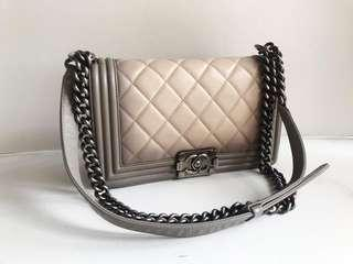 *Dec sale*☃ Chanel boy small ombre seri 19  (  card and dust bag )