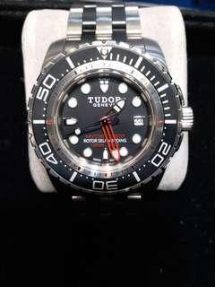 Tudor 25000黑面 深潛1200米 2014年錶行貨