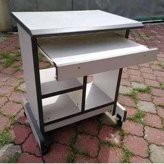 Computer Table with Keyboard Tray & Rollers * M26 D