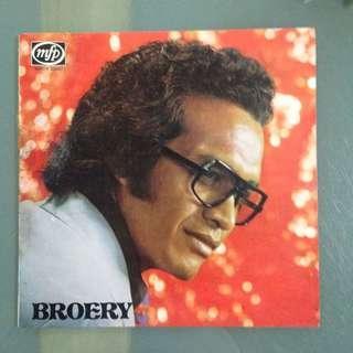 Lp Broery (piring hitam)