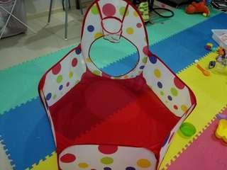 Ball pit for baby