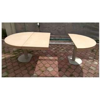 Extendable Table Round to Oval * M22 B