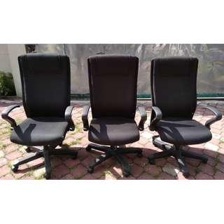 Adjustable Office High Back Arm Chair & Wheels * M24 D