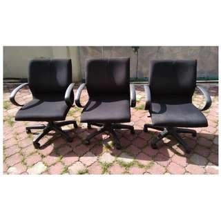 Adjustable Arm Chair w/Rollers Black * M24 E