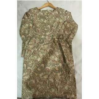 Baju kurung modern - size M - corak regal flowers gold