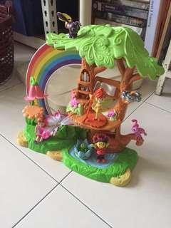 Tree house toys