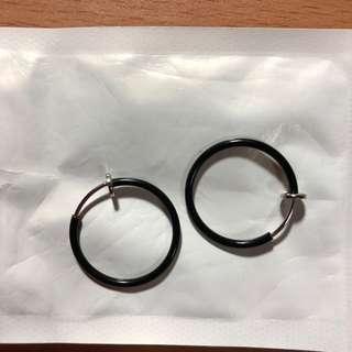 🚚 黑色圓形夾式耳環