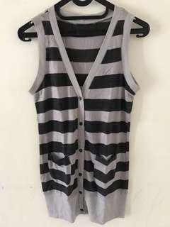 Outwear gray strip