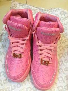 Brand new Reebok Hello Kitty sport shoes全新運動鞋