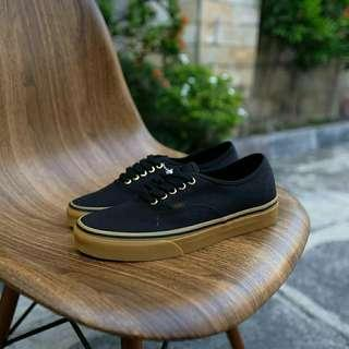 "Vans Authentic Classic ""Black Rubber Gum"""