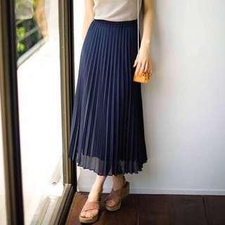 🚚 Uniqlo Pleated Midi Skirt