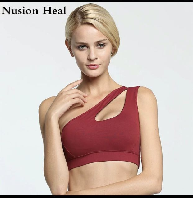 766f606f4a552 2018 Sexy One Shoulder Solid Sports Bra Women Fitness Yoga Bras Gym Padded  Sport Top Athletic Underwear Workout Running Clothing