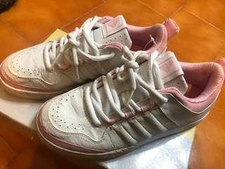 🚚 Adidas白色女鞋8號半