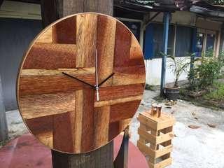 Wooden Wall Clock / Jam Dinding Kayu