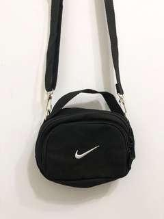 🚚 Nike斜背手提兩用小包