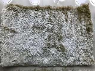 Regular shaggy foot rug