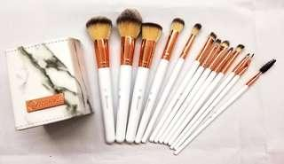 BH Cosmetic Brush