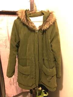 軍綠鋪棉外套