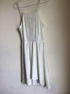 Halter Dress Putih