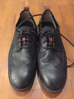 正Clarks Trigenic Flex真皮休閒皮鞋UK9.5