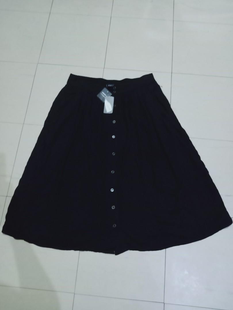 8ae6b0e9b BNWT XL Forever 21 Contemporary button down midi skirt, Women's ...