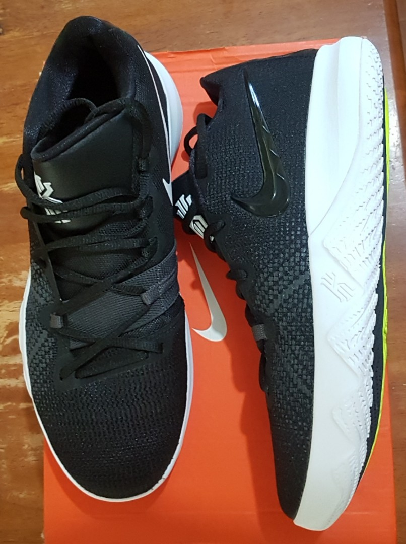 Kyrie Flytrap basketball shoes size 10 US for men 5938b9f59ab4