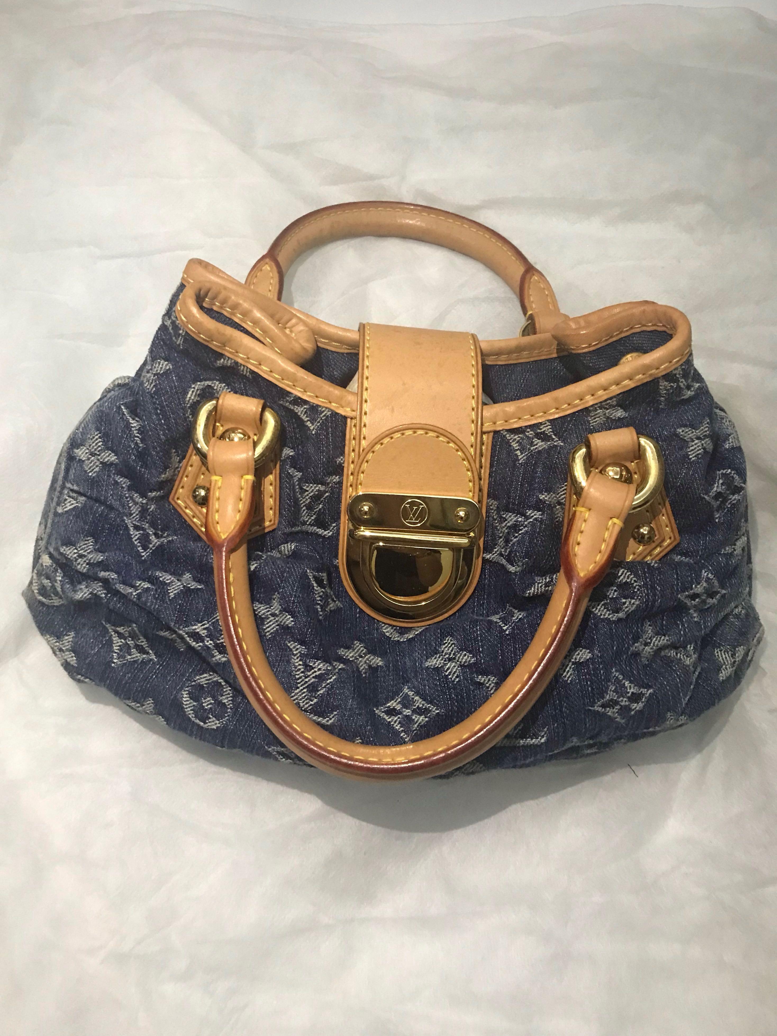 d42464a49a36 LV Small Bag  320