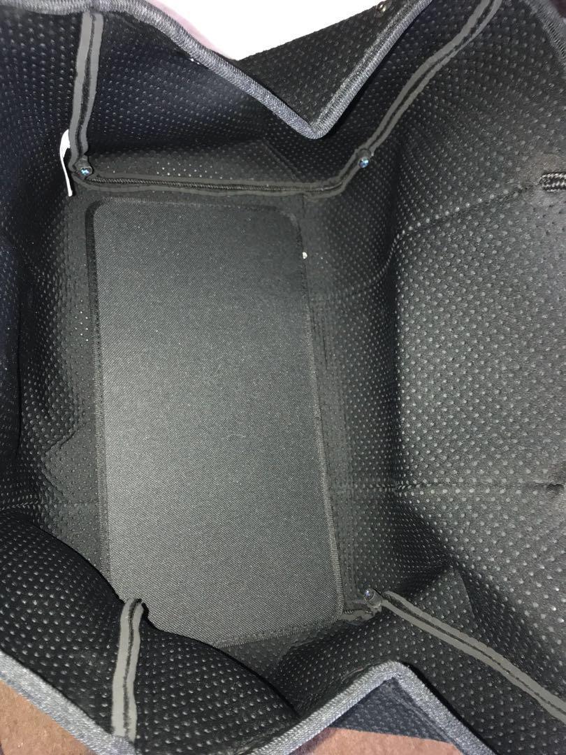 Neoprene handbag